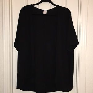 Black short sleeve kimono